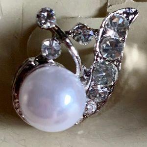 Jewelry - Earrings pearls made w Swarovski elements